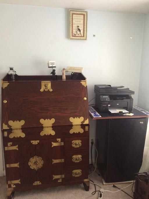 Additional desk space and small refrigerator in your own room. Just clear up what is inside and use it like your own. My home is your home when you are in my place.