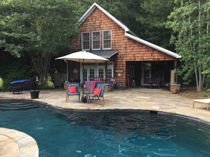 Zinnia Cottage, Pool, Roomy, Relax