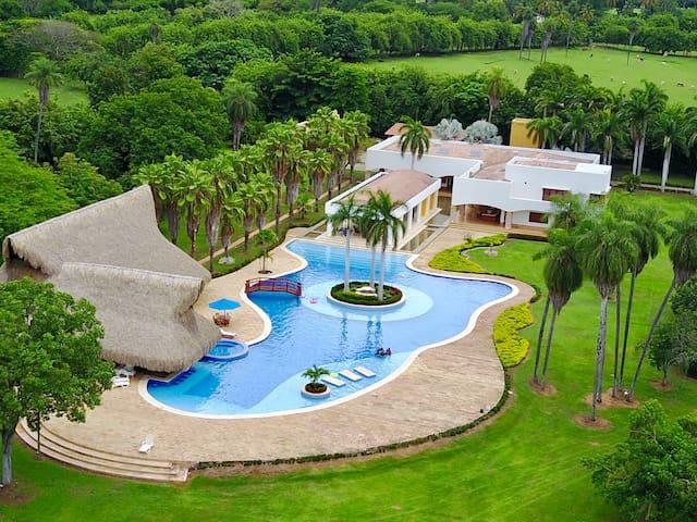Santafe de Antioquia Hermosa Villa privada