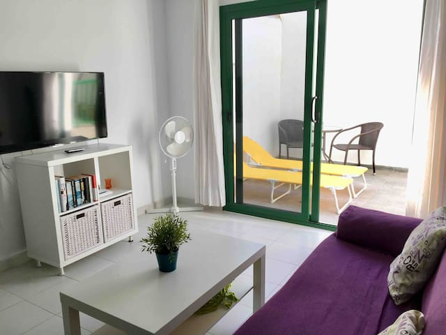 Apt Y2. With terrace and near de Beach