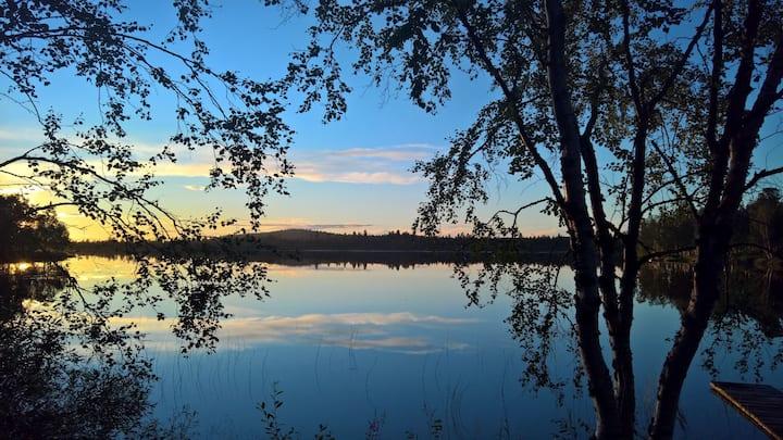 Lapland lakeside cozy cottage