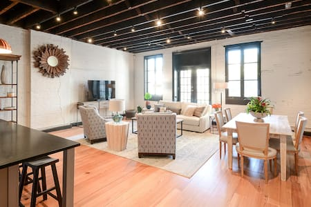 Middle King Historic Meets Modern - Monthly Rental