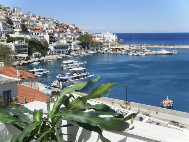 REGINA HOTEL - Skopelos - Bed & Breakfast