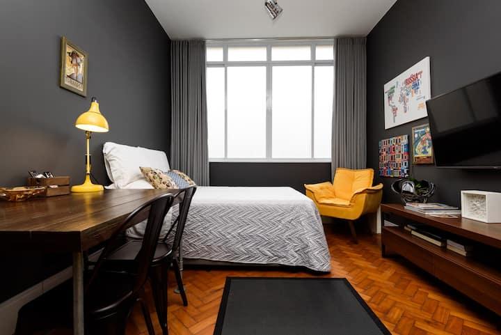 Leblon Design Studio | Best Location *****
