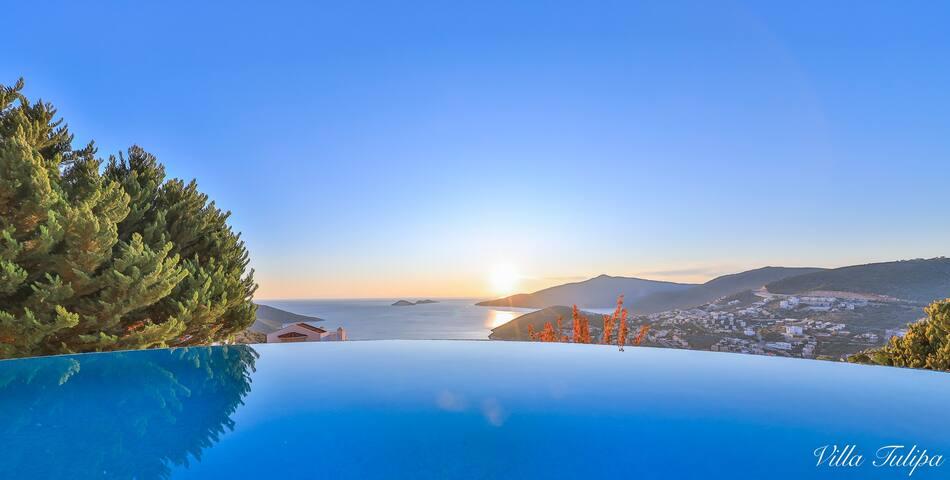 Villa Tulipa 5bdr 5bth pvt pool