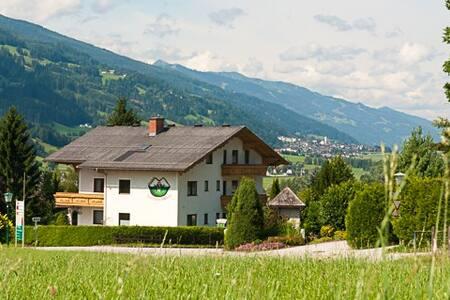 Gästehaus Zum Steierischen Kuss - Aich - Bed & Breakfast