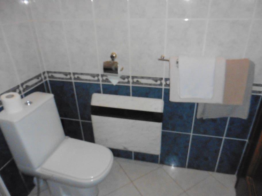 DBL No 2 - bathroom