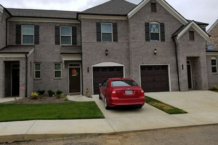Haversack Townhouse - 3 bedrooms!