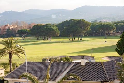 Fantástico,  preciosas vistas al Golf, wifi free