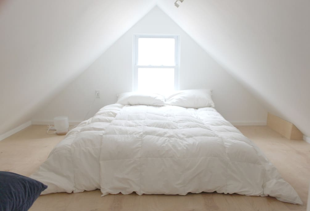 Sleep in this magical attic ( with AC )