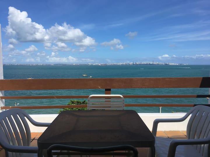 DUPLEX EM FRENTE AO MAR, na Ilha de Itaparica.