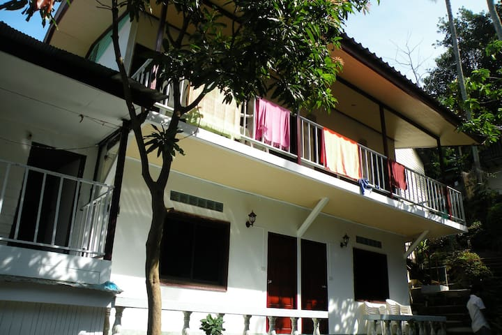 Coco's, a traditional Thai Guesthouse.