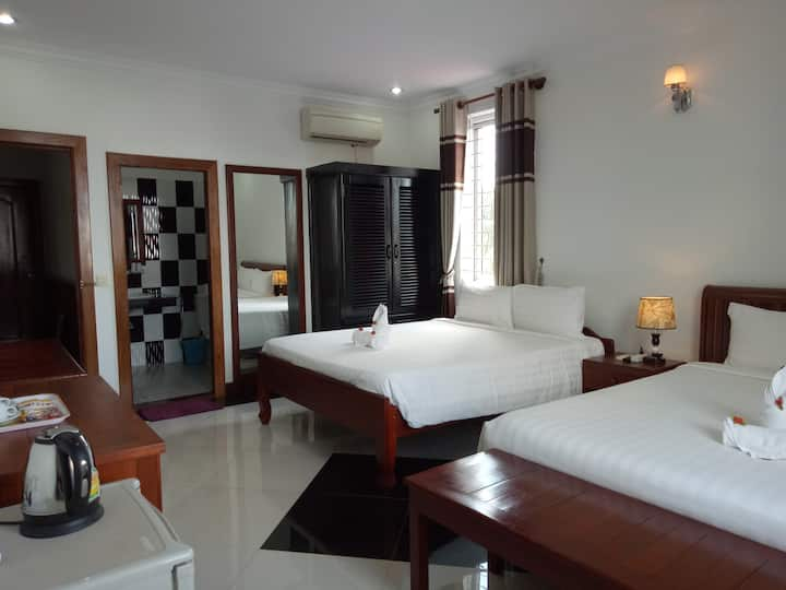 Oriental Siemreap - Family room with views