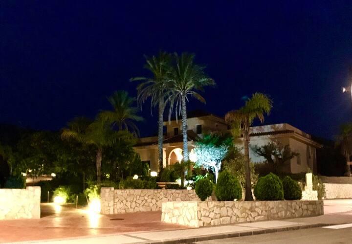 Habitación mixta compartida de 14: Playa Amarilla