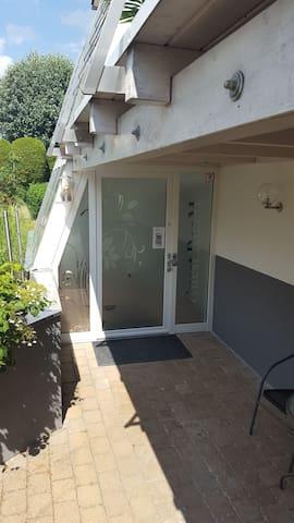 Wohnungstür mit Elektrischen Tür Code