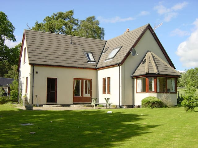 Lower Curr, Highland Holiday Homes