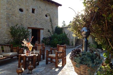 Belle maison de campagne, grand jardin et piscine - Chanterac - 一軒家