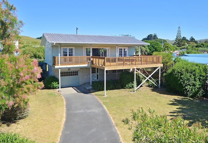 Large family house in Riversdale Village, sea view