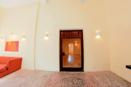"Swanky ""Mosaic"" One Bedroom Apartment in Colombo 7 - Colombo - Pis"