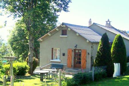 Une maison des années 50 à la campagne