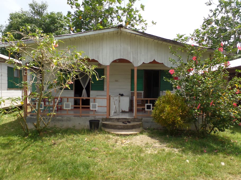 Country cabin case in affitto a negril westmoreland for Planimetrie del cottage del cortile