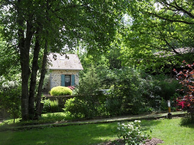 CHAMBRES D'HOTES MOULIN DE TEITEIX - Saint Avit de Tardes - Bed & Breakfast