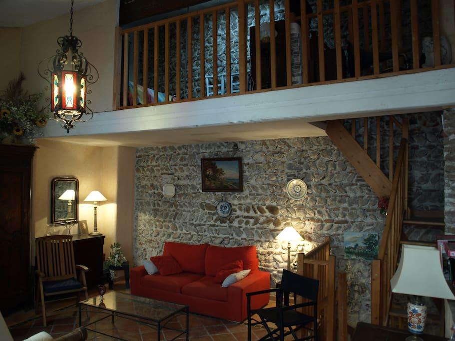 Loft atypique centre historique avec parking priv for Location appartement atypique perpignan