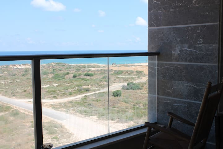 Sea View, New and Quiet - Hadera - Lejlighed