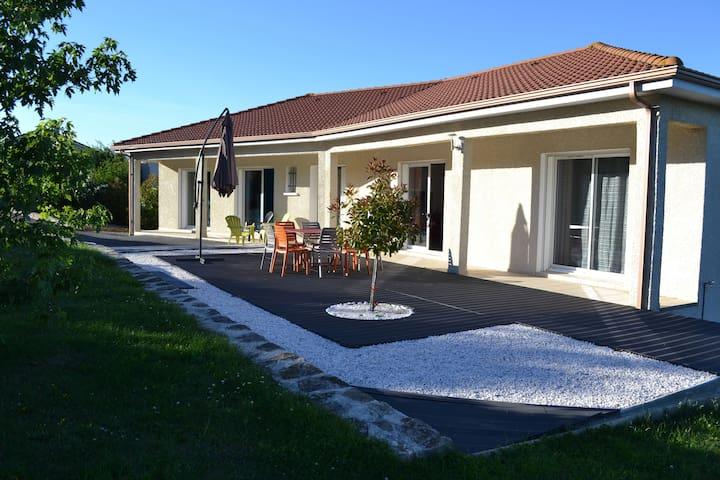Spacious & Contemporary House - Saint-Flour - Dům