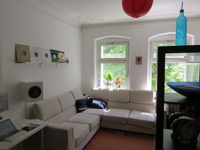 furnished apartment friedrichshain flats for rent in berlin berlin germany. Black Bedroom Furniture Sets. Home Design Ideas