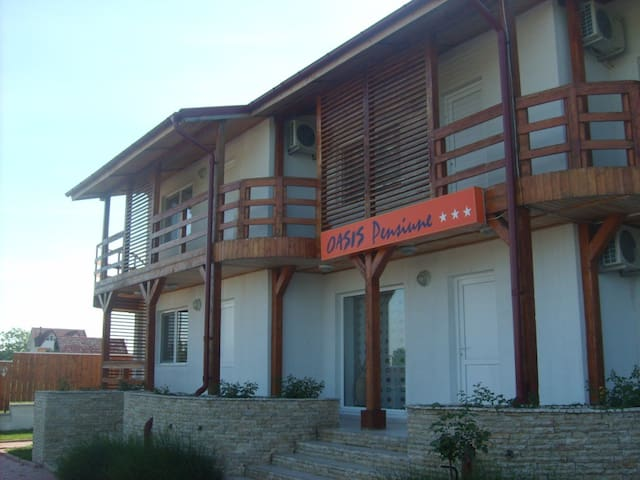 OASIS B&B   Costinesti - Schitu - Bed & Breakfast