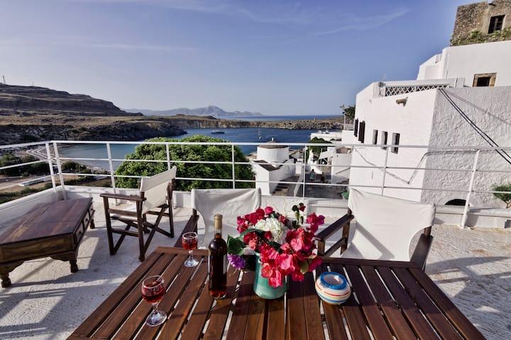 Villa Stavros in Lindos, 3-5. min. walk to beach