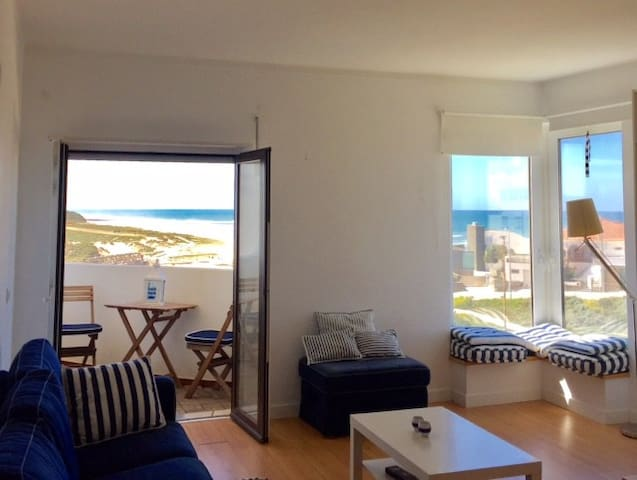 Beach apartment with the best views of the ocean - Lourinhã - Leilighet