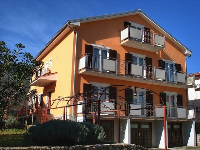 Apartments Sokolic AP1 - Nerezine - Appartamento