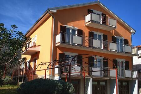 Apartments Sokolic AP1 - Nerezine - 公寓