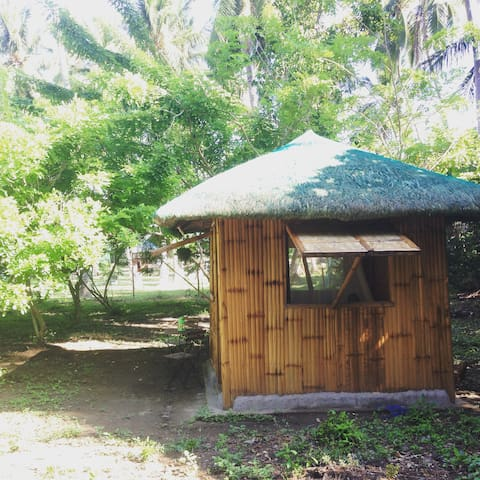 Native Hut on private Farm,Batangas - Taal