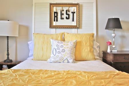 2/1 private guest house in Llano - Llano