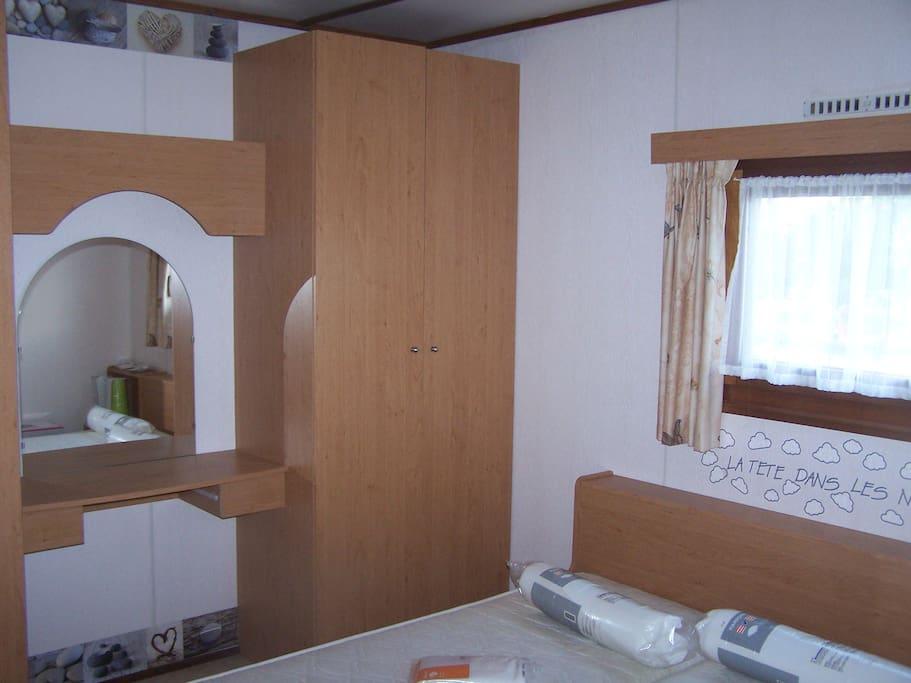 chambre avec lit 200x140