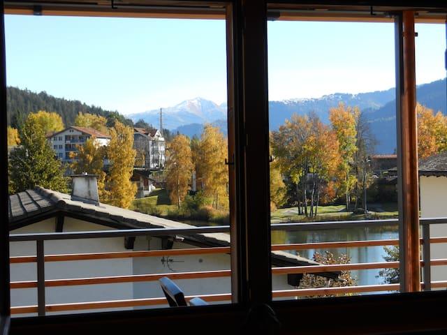 Blick aus dem Fenster beim Frühstücken.