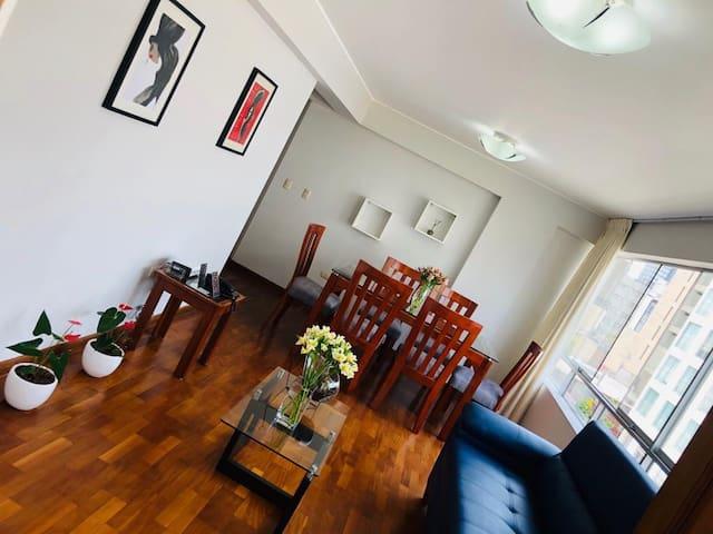 Excelente habitación privada - MIRAFLORES