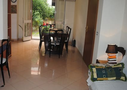 Flat with private garden at the sea - Furci Siculo