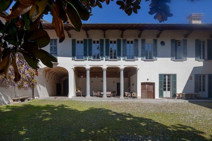 Luxury Villa Berla, Master House - Varese Lake