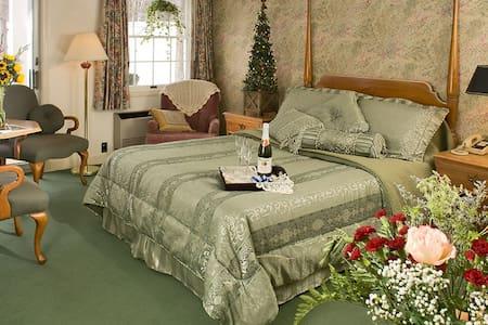 Lodge at Jackson Queen Queen Room - Jackson - Bed & Breakfast