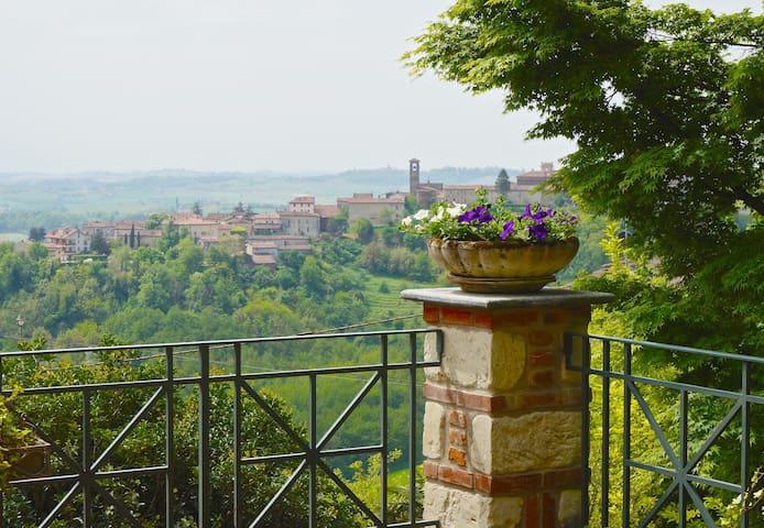 Casa con vista a Rosignano Monferrato