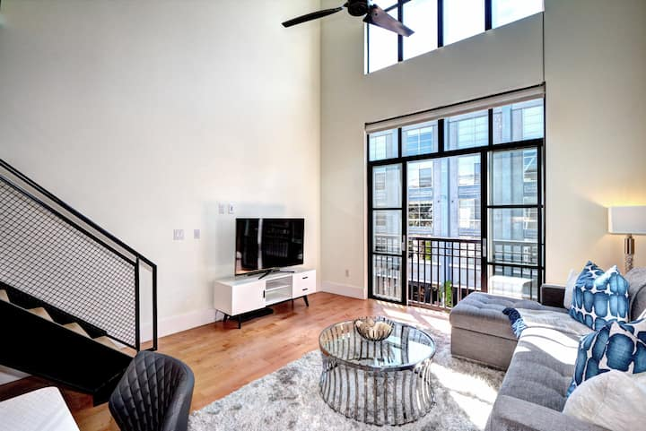 Santana Row Loft Style Condo in Silicon Valley #5