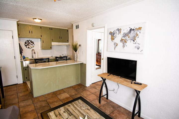 ★ Central Automobile Alley ★ Walkable80 ★ WIFI ★