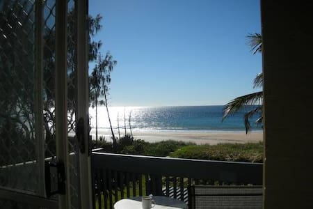 Bargara couples / golfers retreat. Turtle time. - Bargara - Apartment