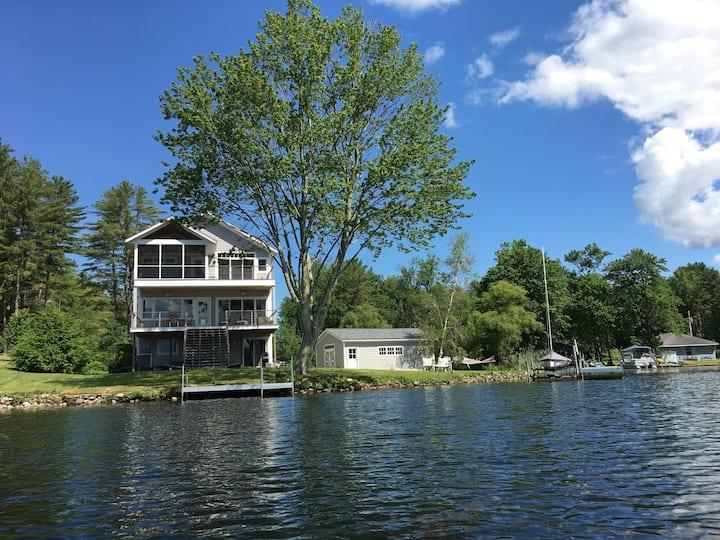 Outstanding Bomoseen Lakefront Getaway