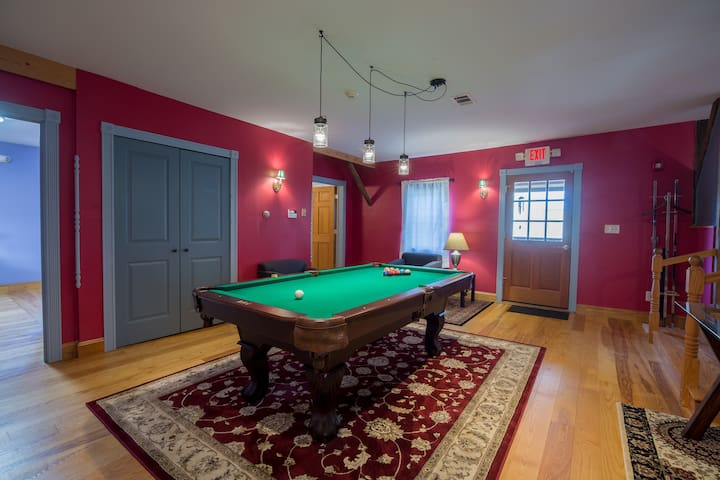 8' pool table in the lower loft space