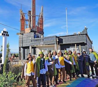 Tolkienland RealActors Charity Selfiepark & Resort
